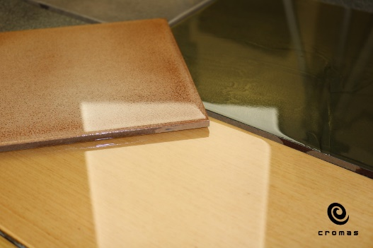 Clear epoxy resin, glaze effect, low thickness application